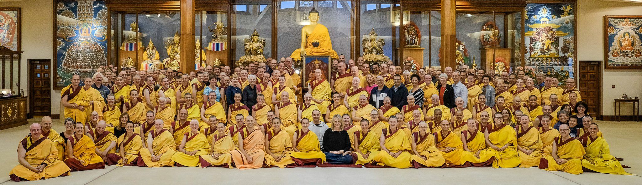 2018年度新噶当巴传承-国际噶当巴佛教联盟国际导师培训计划集体照