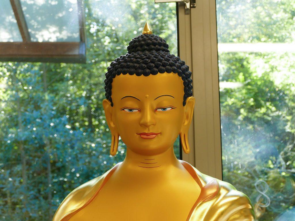 Statue de Bouddha Shakyamouni