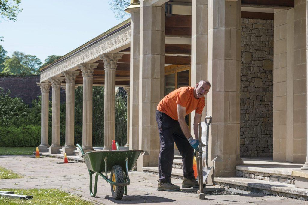 volunteer cleaning Temple Manjushri