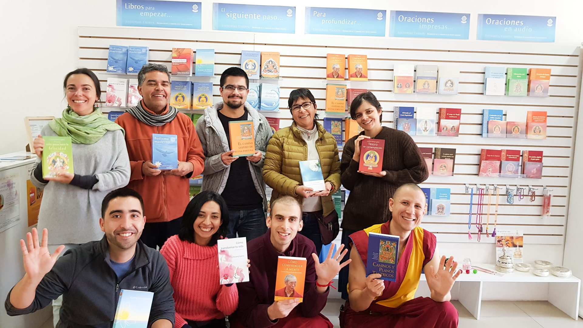 18CMK Chile - 1 Group of teachers at KMC Chile with books of tharpa-Thaipa Chile