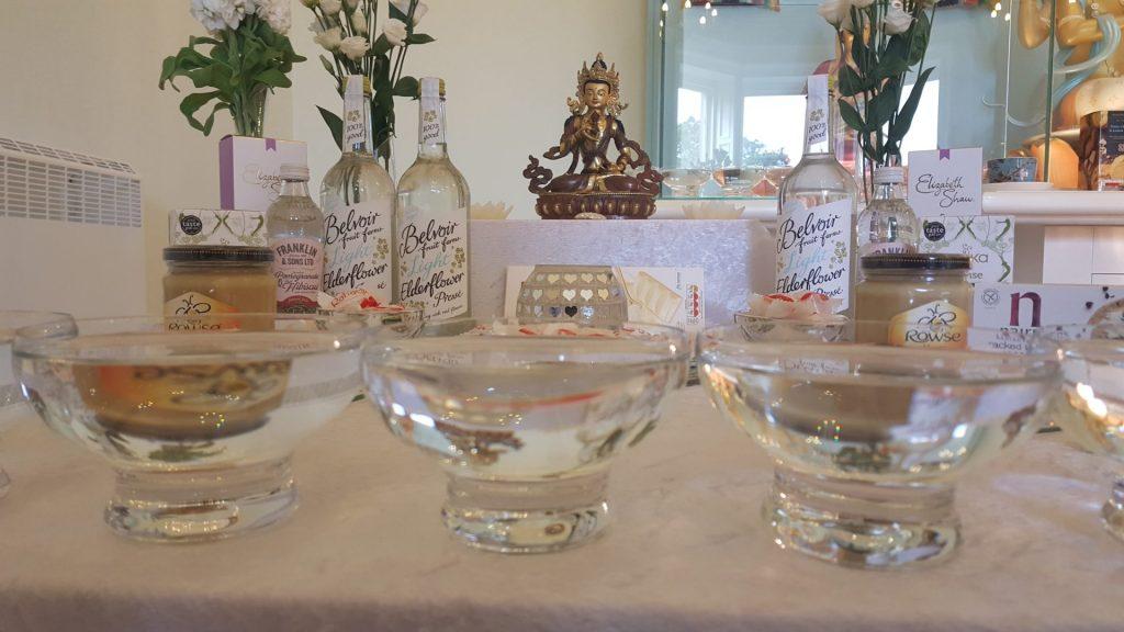 Offering-bowls table Vajrasattva
