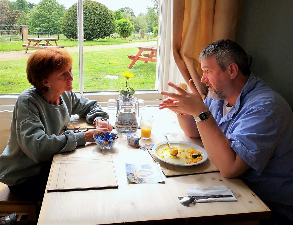 couple talking dining-room