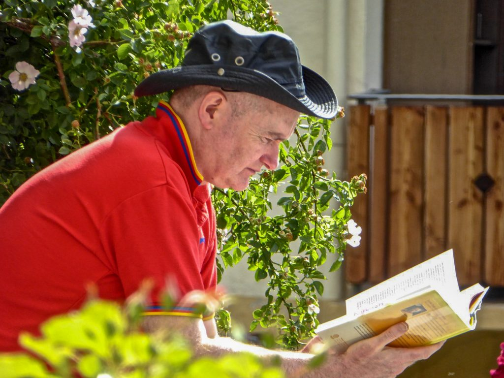 Man-reading-Switzerland